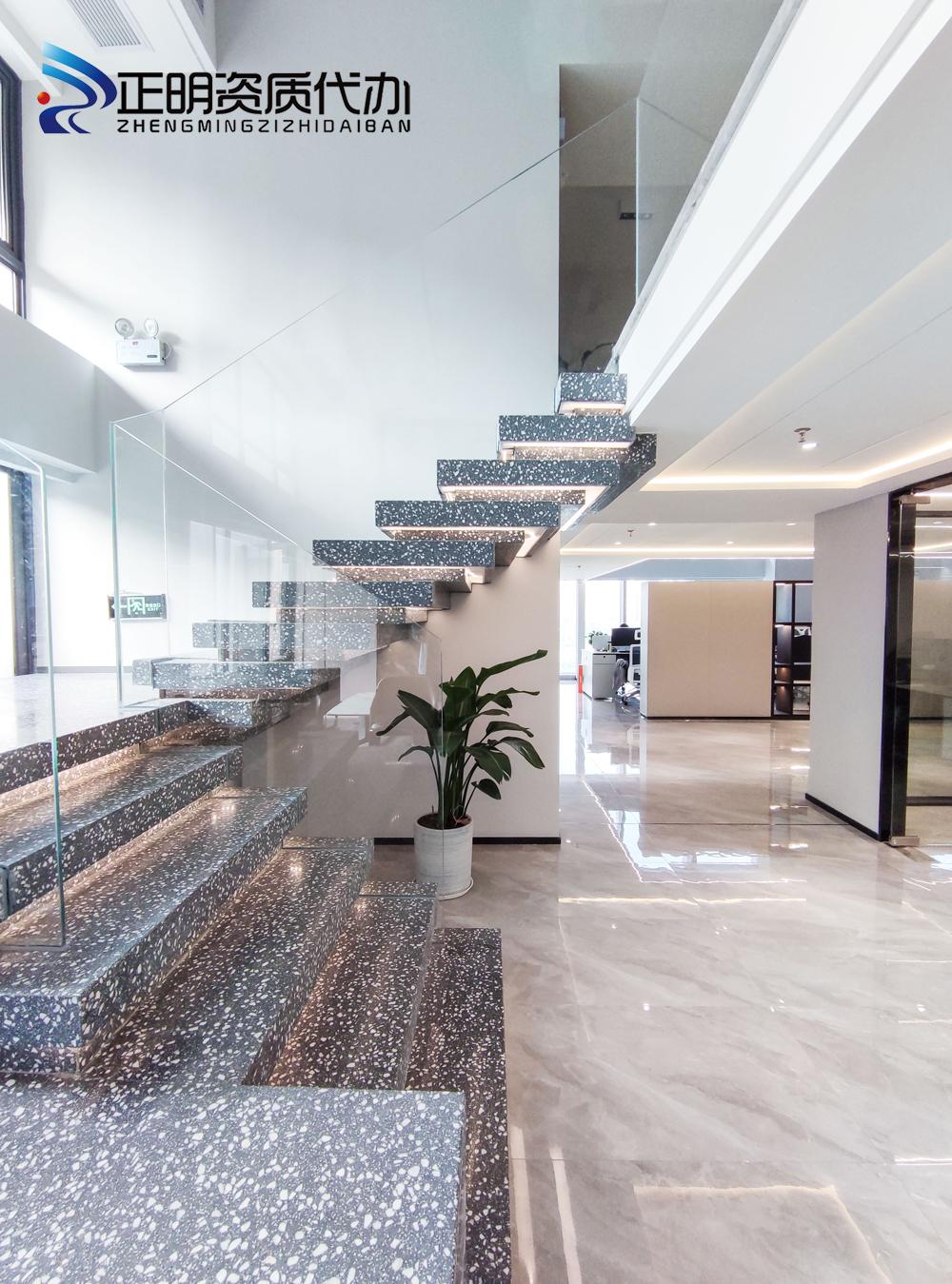楼梯过道2.jpg